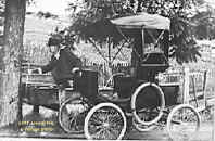 vintage-photo-1899-locomobile.jpg (46883 bytes)